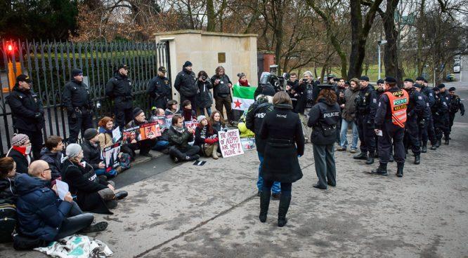 2016_12_19_blokada_ruske_ambasady_zewlakk-7698